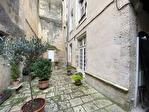 Quartier historique de Blois bénéficiant d'une cour privative 5/6