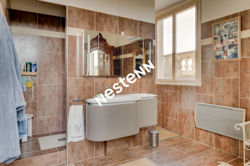 Appartement dans château  5 pièces 127 m2