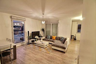 BOURGOIN-JALLIEU - Appartement  T4 avec grande terrasse