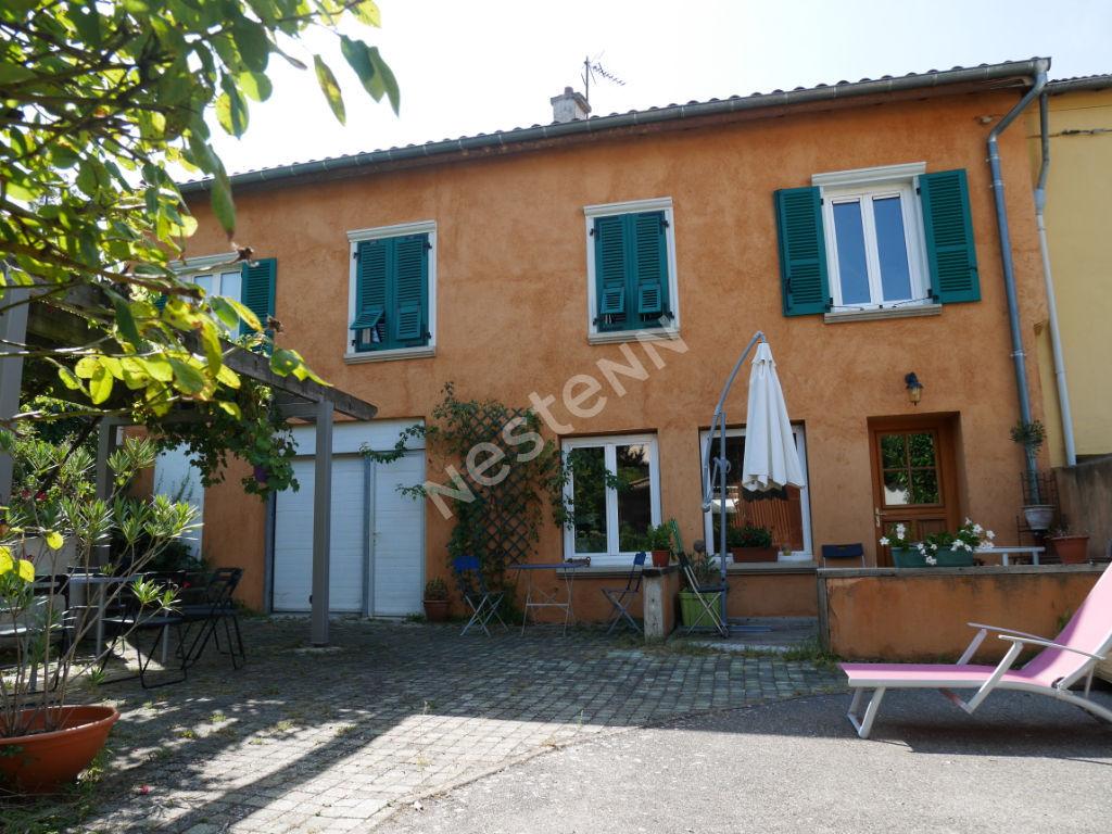 photos n°1 Maison familiale au centre village