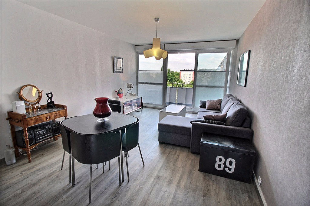 photos n°1 Appartement place luton