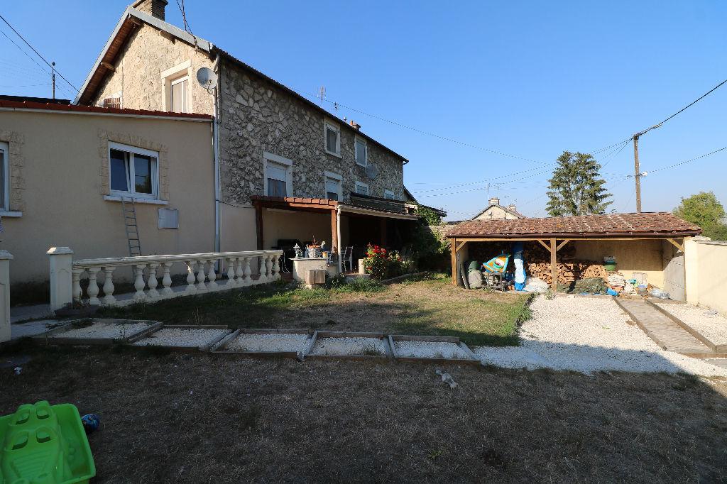 2 Min Neufchatel sur Aisne : Maison en pierre - 3 chambres !