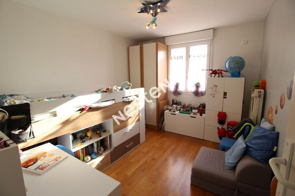 Maison familiale  - TINQUEUX