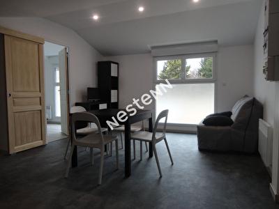 - Secteur Clemenceau - Appartement 2 pieces 27 m2 -