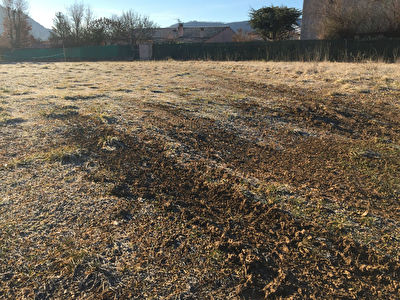 Terrain de pres de 1000 m2 a vendre a Sisteron