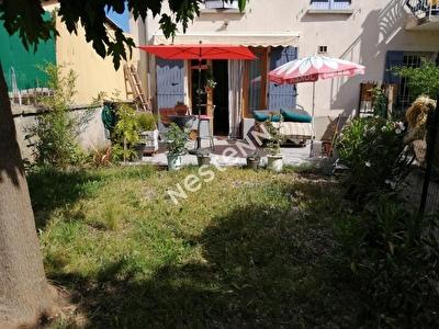 A vendre appartement T2 en rez de chaussee avec jardinet