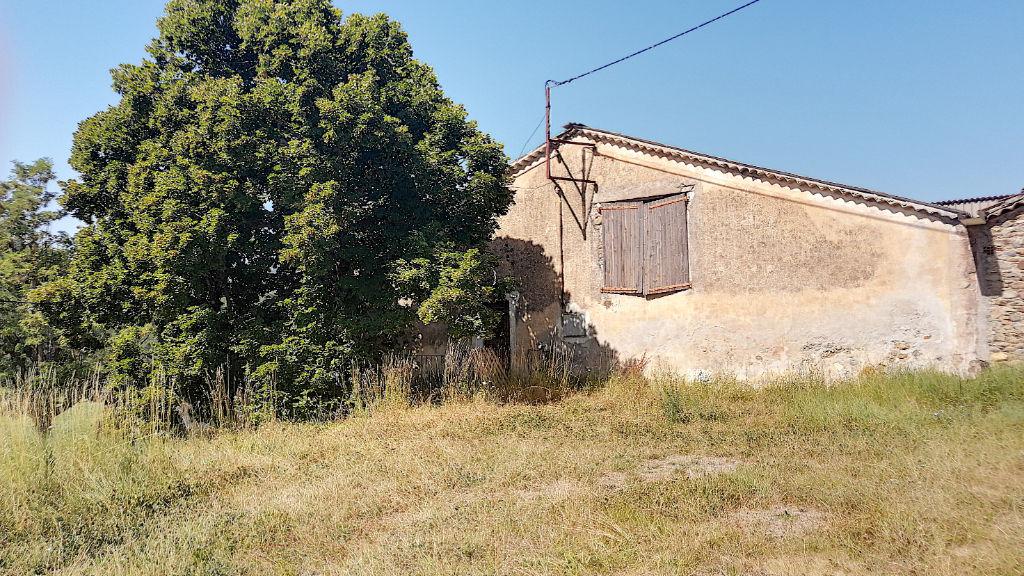 Ancienne ferme à vendre proche Laragne-Montéglin