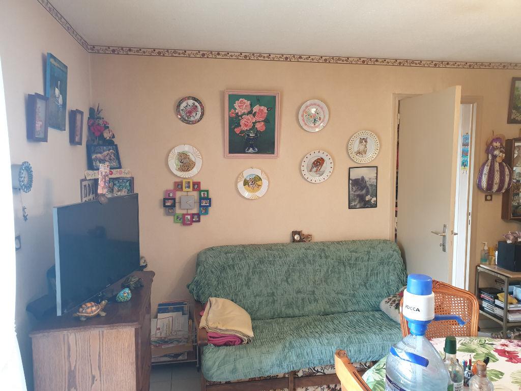 Appartement 3 pièces avec terrasse Laragne Monteglin à vendre