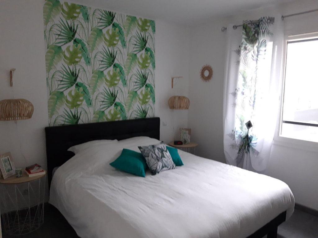 A vendre maison de plain pied de 99 m² à Peyruis