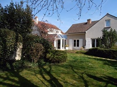 Maison Dammarie Les Lys 9 pieces 180 m2