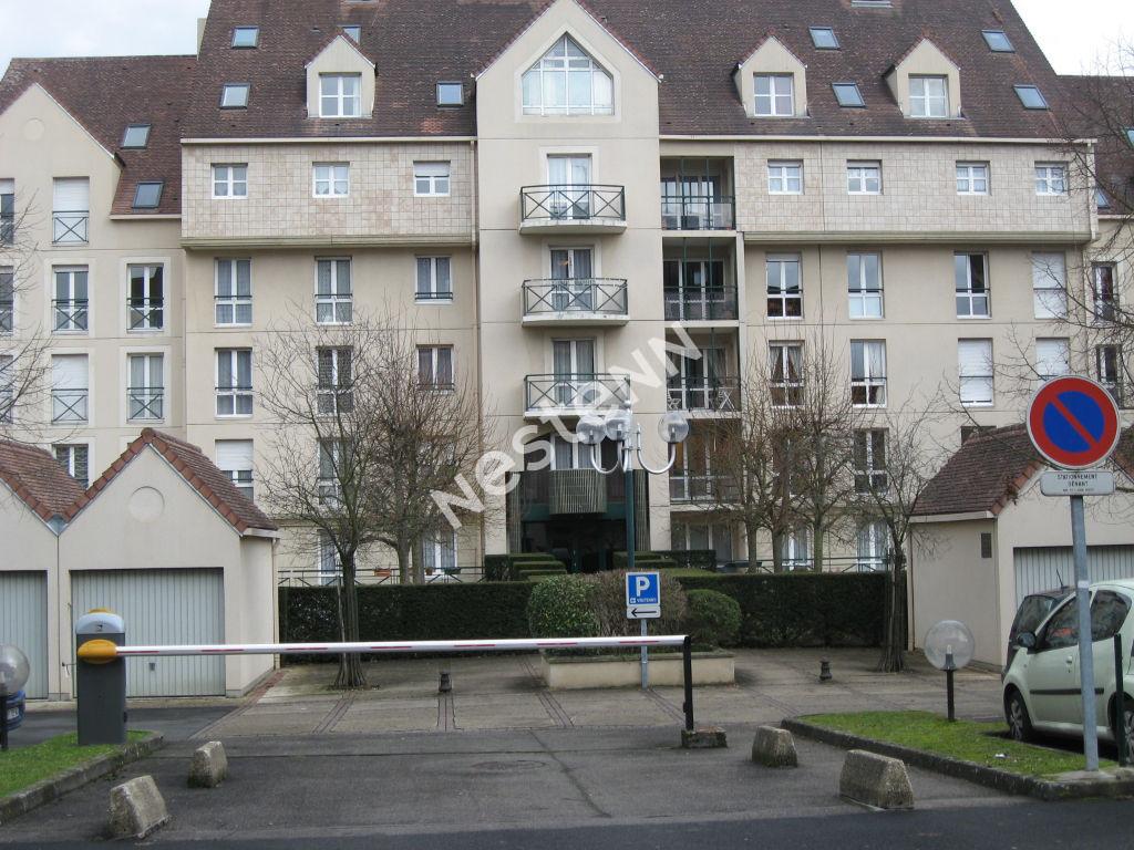 Studio en centre-ville Melun (place Saint-Jean)