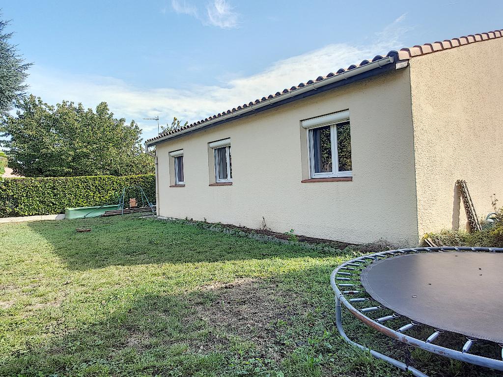 photos n°1 Maison individuelle 4 pièces de 85m2 à vendre avec garage et jardin située dans un quartier calme de Castanet-Tolosan