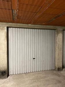 A louer GARAGE FERME a CASTANET TOLOSAN de 13m2