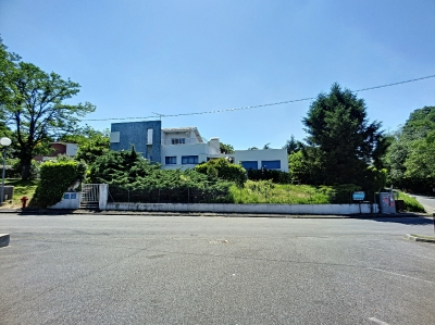 Ensemble immobilier maison + appartement a vendre a Auzeville-Tolosane