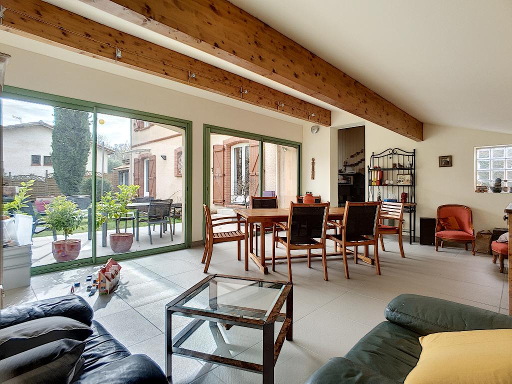 Escalquens (limite Labège) Grande maison familliale avec 4 chambres de 190m2 à vendre