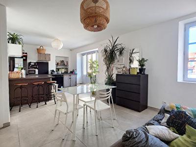 Exclusivite Nestenn. Maison de village T3bis entierement renovee a vendre au centre-ville de Castanet-Tolosan