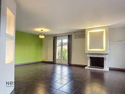 Maison a vendre 5 pieces 135m2 avec un garage de 42m2 sur un terrain de 1100 m2 sur les hauteurs de la commune d'Auzeville-Tolosane