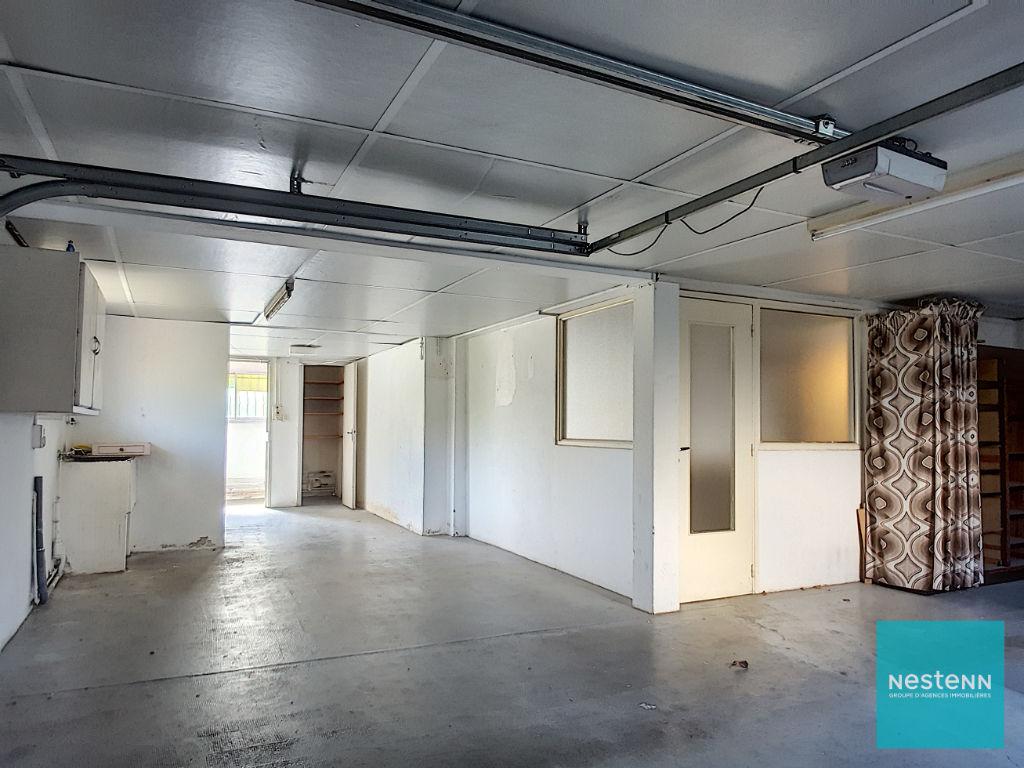 A Ramonville-Saint-Agne, à vendre maison 9 pièces de 237 m² avec garage de 60 m²,  terrain d'environ 650 m²,