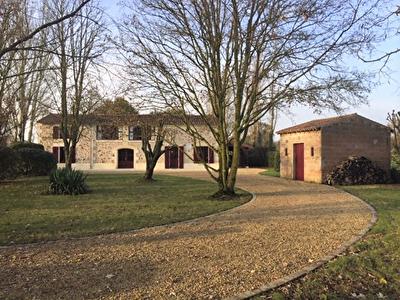 Belle longere de 206 m2 proche Bouille-Loretz - D4068
