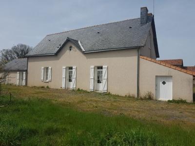 Maison, dependances, environ 6 hectares D4227