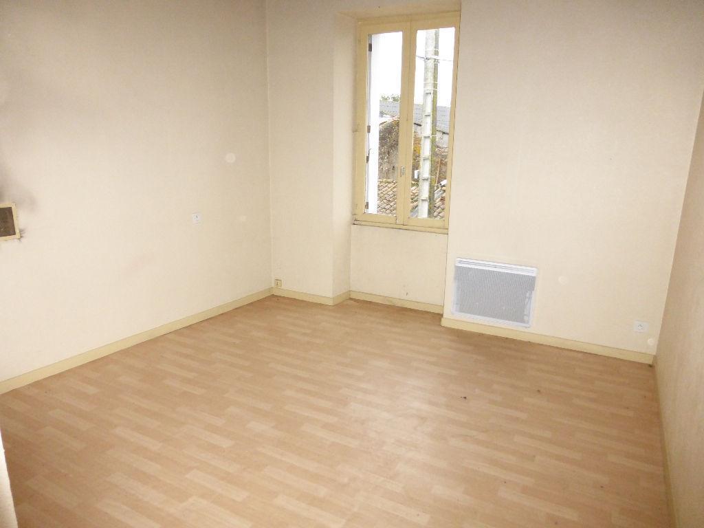 Maison 2 chambres SAINT PIERRE A CHAMP