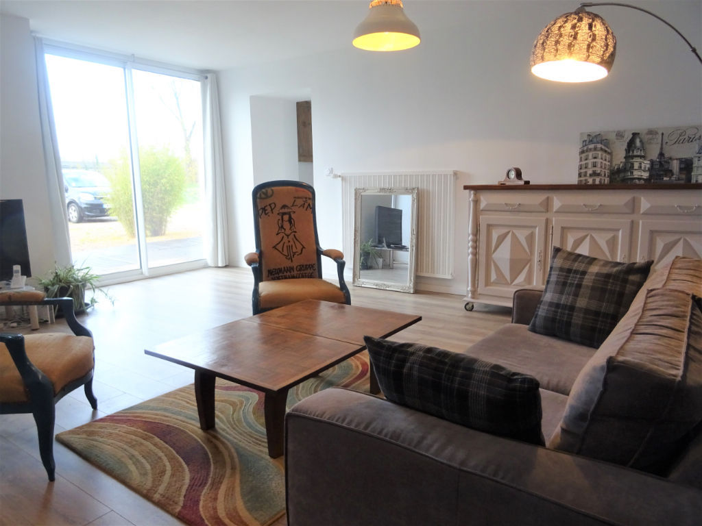 Maison restaurée, 3 chambres, sur plus de 2000 m² D4845