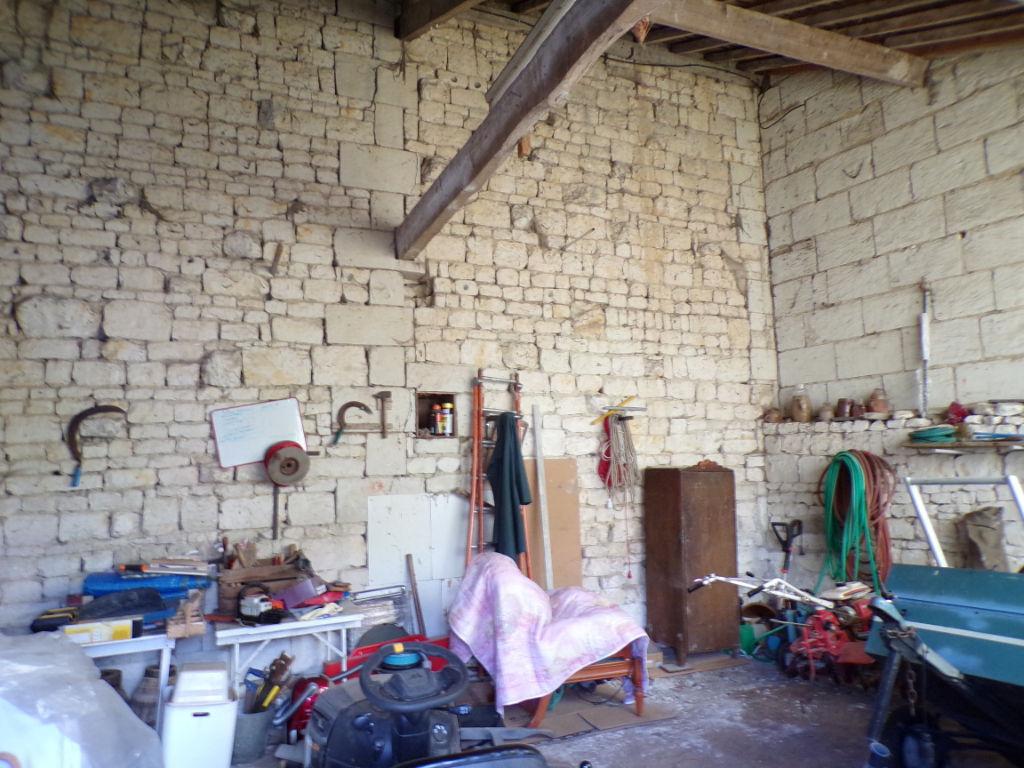 Grange réhabilitable Le Coudray Macouard