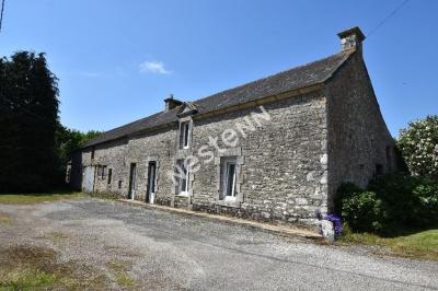 Maison en pierre a renover a  2 Min du bourg de Monterblanc