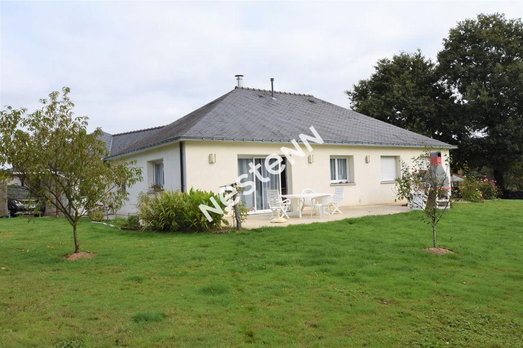 photos n°1 Maison contemporaine de plein pied 4 chambres avec 1900 m² de terrain Tredion