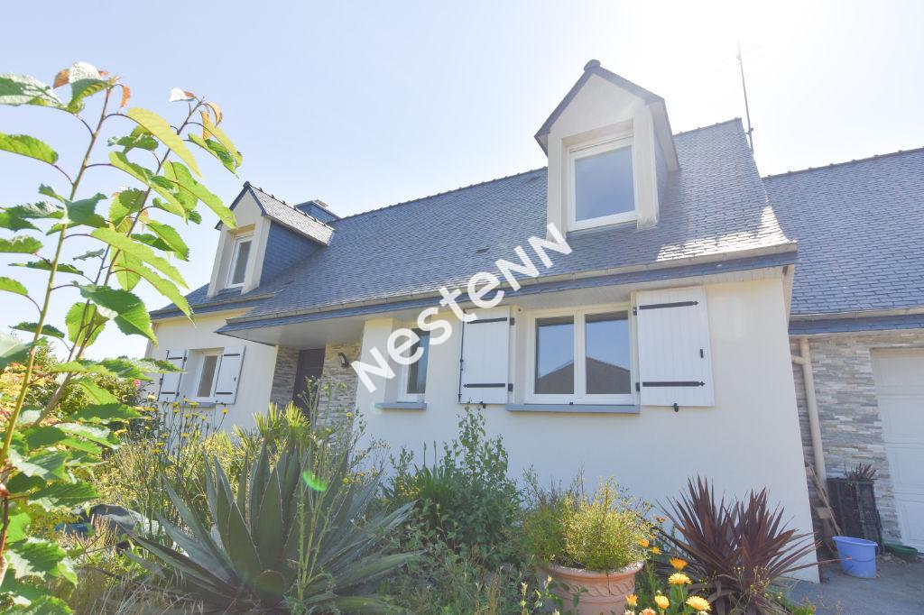 Maison traditionnelle et familiale + T2 centre d'Elven