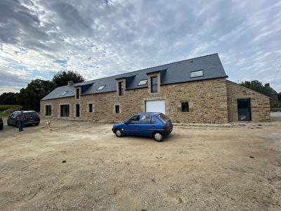 Maison Plaudren 7 pieces 270 m2