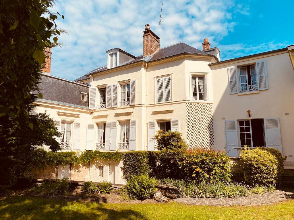 photos n°1 Maison Pontoise 10 pièce(s) 209 m2