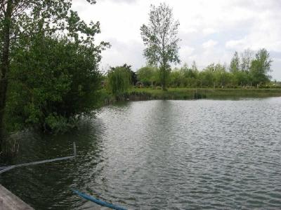 Terrain avec plan d'eau ARGENTON L EGLISE - 8670 m2