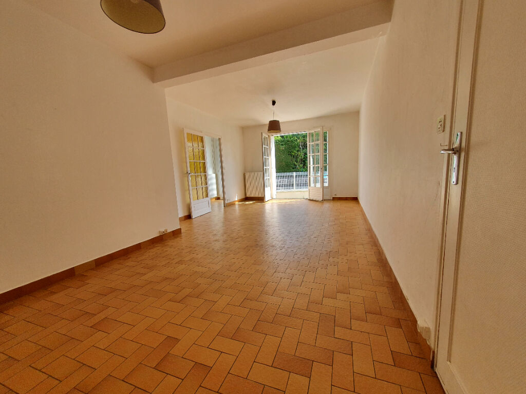 Saint Avertin, vaste maison familiale à moderniser avec 5 chambres