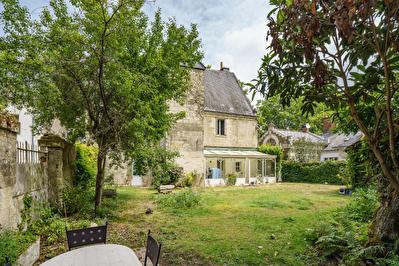 A 10 Minutes de Saint Avertin Maison de Maitre renovee avec vue sur Loire