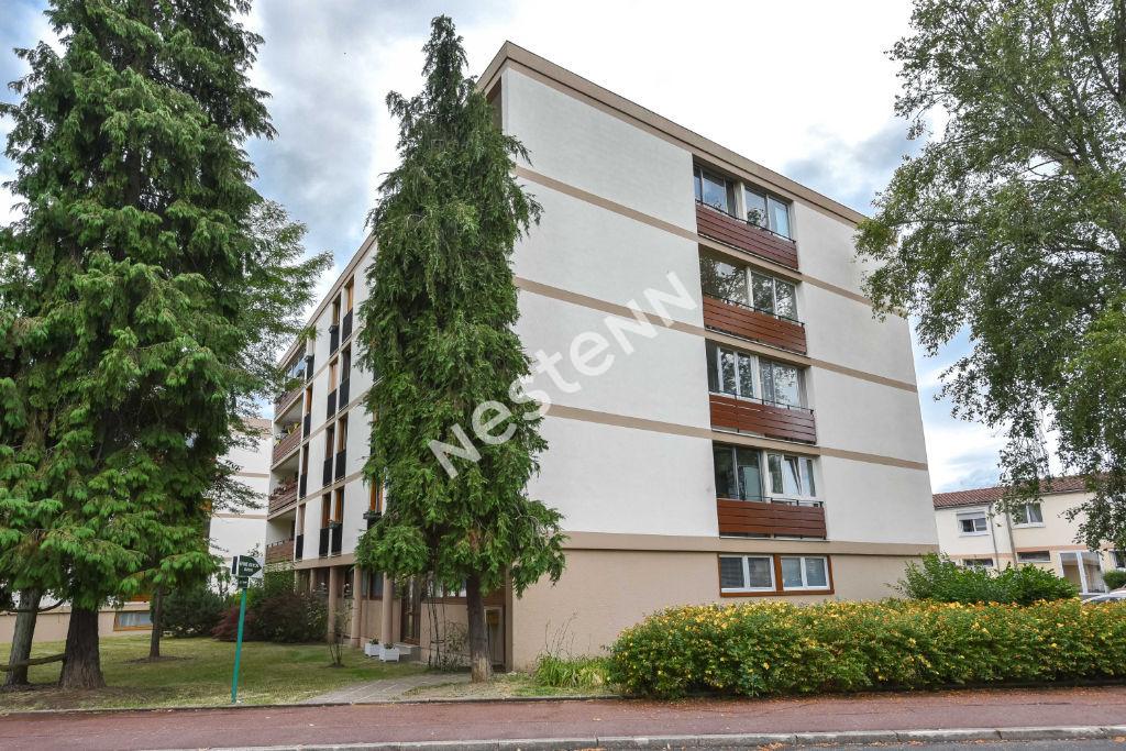 Appartement Franconville 4 pièces 72.02 m² proche gare et des commerces