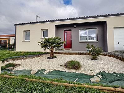 A vendre : maison de plain-pied a Aubigny Les Clouzeaux de 82m2