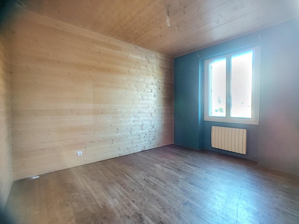Maison 3 chambres sur sous sol complet