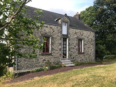Maison bretonne, 25 min des plages,  terrain arbore, poss 120 m2