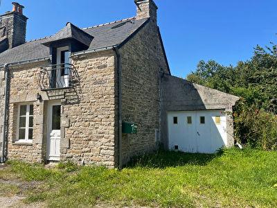 Maison Questembert, hameau, 2 chambres, avec jardin.