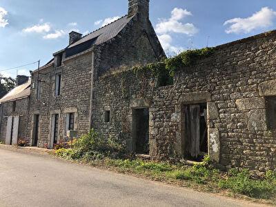 Superbe longere typiquement Bretonne a decouvrir dans votre agence Nestenn immobilier de Questembert.