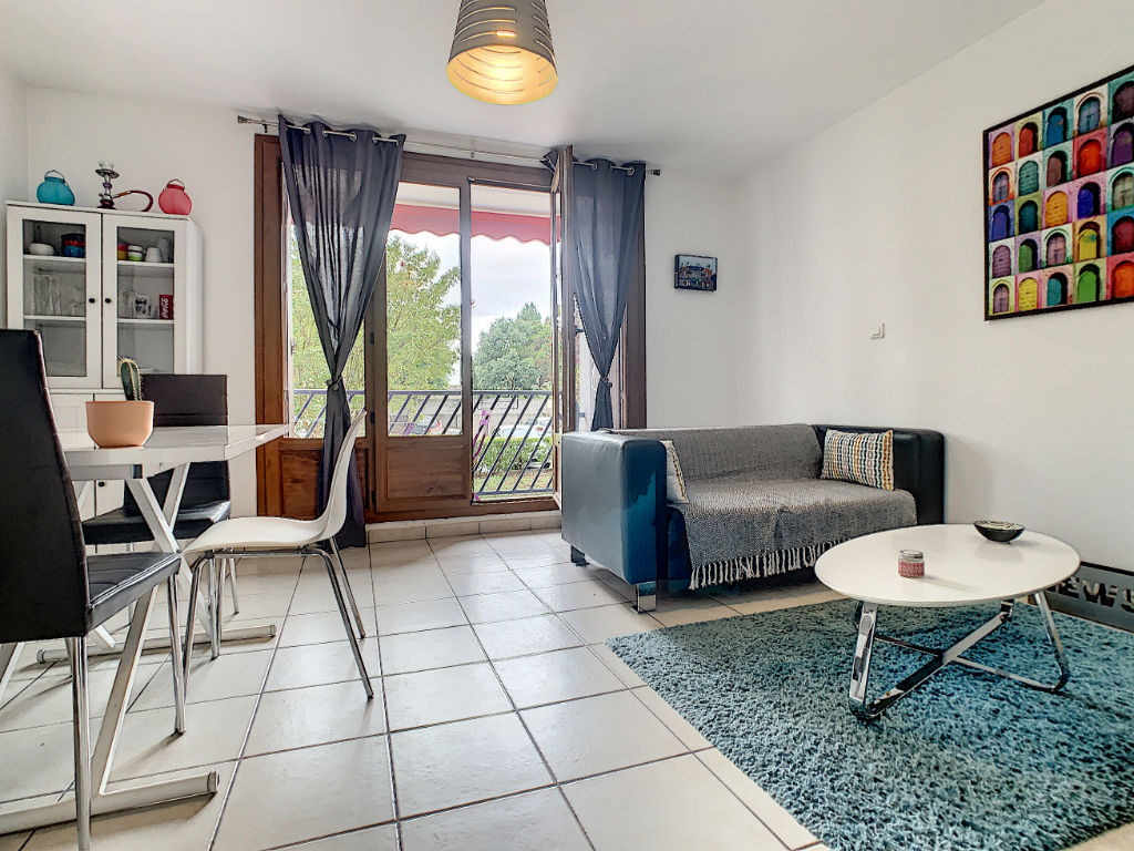 photos n°1 Appartement à vendre Talence 3 pièces, 2 ch, dans résidence calme, cave