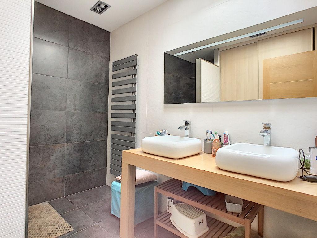 PESSAC HYPER CENTRE maison a vendre 5 pièces 120 m2
