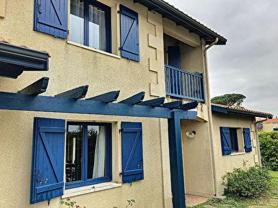 Secteur PACARIS, Maison 6 pieces d'environ 135 m2 sur une parcelle de 362 m2