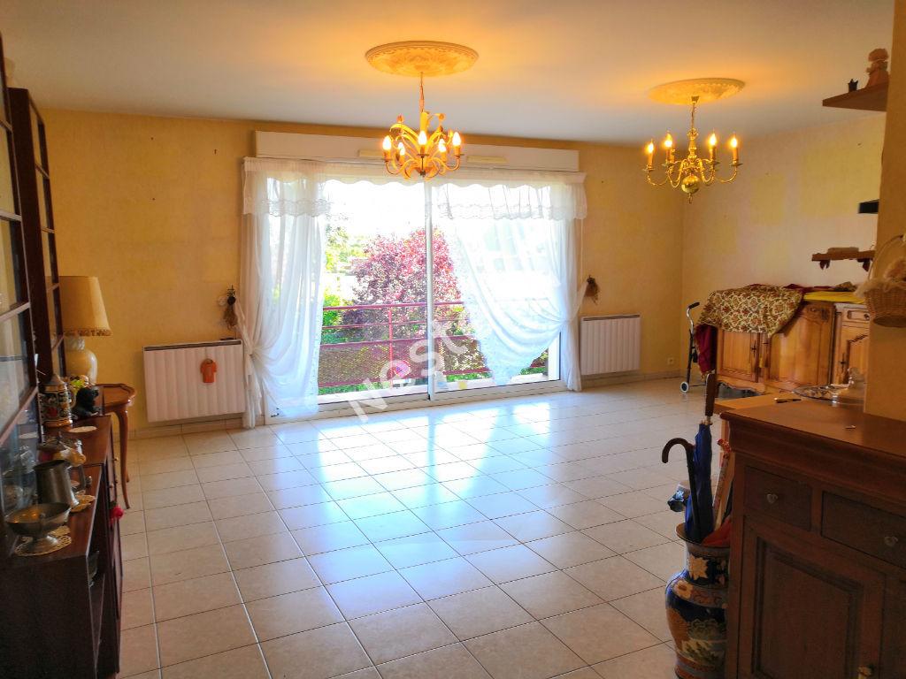 photos n°1 Appartement T3 en centre bourg de Sarzeau