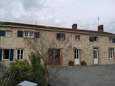 Proche Chalonnes sur Loire A VENDRE