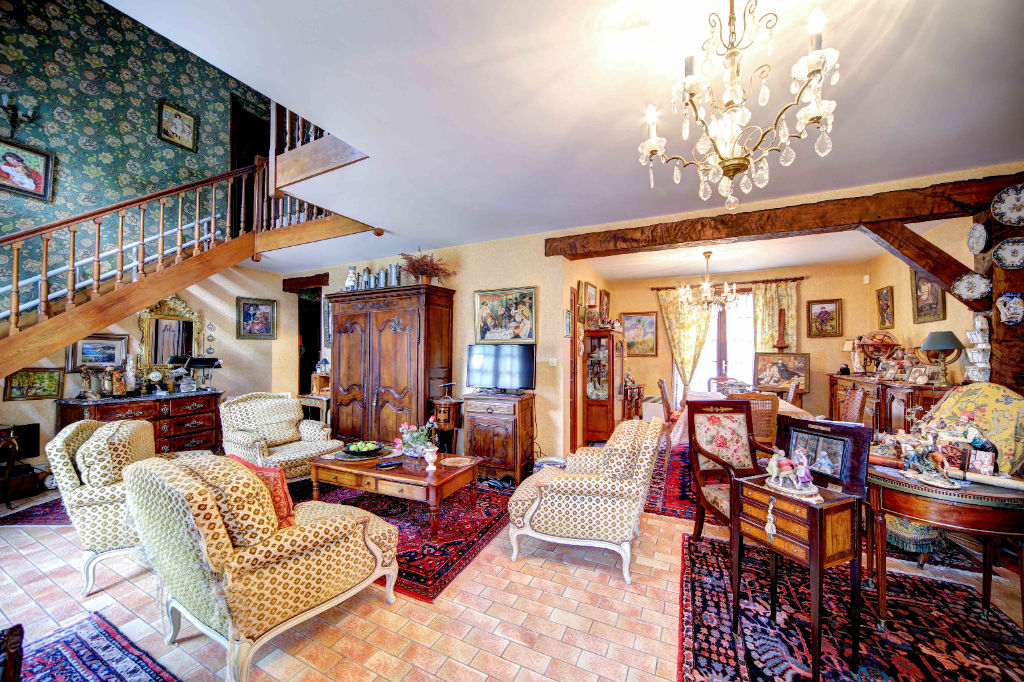 Maison construction traditionnelle, ORLEANS LA SOURCE -120 m² - 726 m² de terrain arboré, sans vis-à-vis