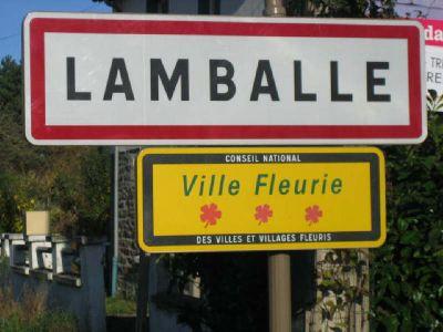 TERRAIN CONSTRUCTIBLE LAMBALLE - 564 m2