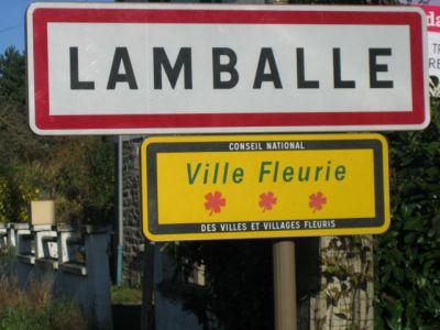 TERRAIN CONSTRUCTIBLE LAMBALLE - 682 m2