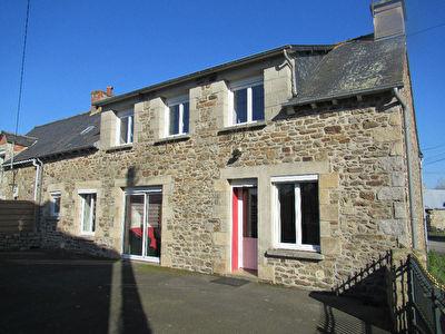 Maison en pierres a Tramain.